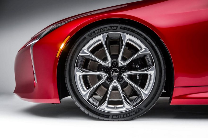 Michelin Pilot Super Sport ZP на новом Lexus LC500